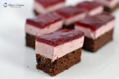 Sour cherry mousse cake (used cranberry juice for the jelly on top because ran out of cherry) Romanian Desserts, Romanian Food, Candy Bar Cookies, Jelly Cake, Lebanese Recipes, Mousse Cake, Cookie Recipes, Sweet Treats, Cheesecake
