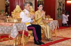 Thai playboy King dons the Great Crown of Victory King Rama 10, Royal Thai Army, Queen Sirikit, Religious Ceremony, Bhumibol Adulyadej, Singing Happy Birthday, Family Feud, Royal Guard, Royal Court