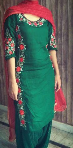 Best Kurti Designs Collection For Summer - Kurti Blouse Simple Kurti Designs, Salwar Designs, Blouse Designs, Dress Designs, Punjabi Suits Designer Boutique, Boutique Suits, Embroidery Suits Punjabi, Kurti Embroidery Design, Punjabi Fashion