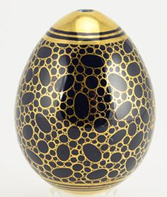 A porcelain Easter egg with decoration en cailloute, Imperial Porcelain Factory, circa 1840.
