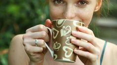 O café é uma das bebidas mais consumidas no mundo. Veja aqui 10 fatos interessantes que você deve saber sobre o café.