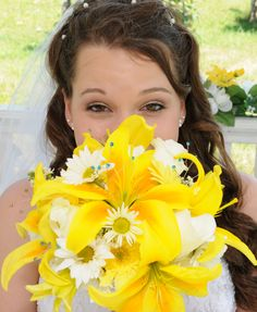 #OurWeddings Photo copywrite Capture the Moment Photopraghy.  Love the yellow!