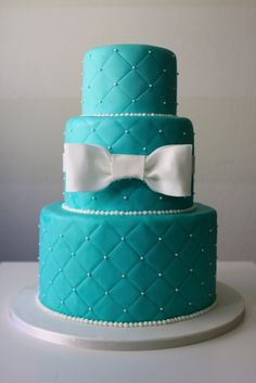 Tiffany Blue Quilted Cake | Petal and Posie Cakes This is what I want only not blue keep it cream colored