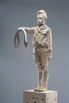 """For my fathers"", wood sculpture by Gehard Demetz"
