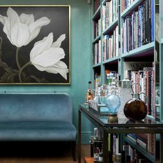 Top Interior Designers - Design Projects by Nina Campbell Hall way inside Chelsea Townhouse. Project By Nina Campbell Design. Nina Campbell, Campbell Hall, 80s Interior Design, Top Interior Designers, Interior Decorating, Decorating Ideas, Le Living, Living Rooms, Halls