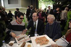 Ignacio Galán con algunos de los accionistas