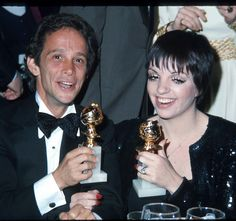 Joel Grey and Liza Minnelli with their Golden Globes for Cabaret