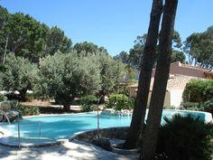 Piscinas ovalada en Formentor. Mallorca www.piscinasmallorca.es Outdoor Decor, Home Decor, Pools, Majorca, Decoration Home, Room Decor, Interior Decorating