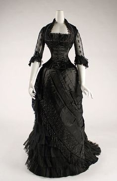 Mourning Dress 1881-1884