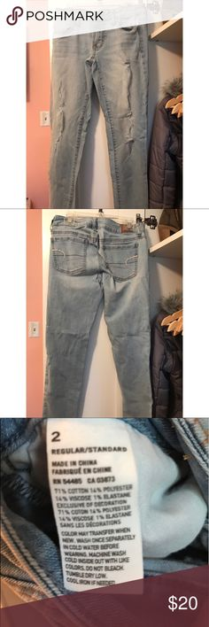 American Eagle ripped jeans Worn only a couple of times and in great condition! These ripped jeans from AE are a size 2. Feel free to bundle or make an offer! American Eagle Outfitters Jeans Skinny