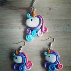 Necklace pendant unicorn rainbow in fimo paste, Cute Polymer Clay, Polymer Clay Miniatures, Fimo Clay, Polymer Clay Charms, Polymer Clay Jewelry, Clay Projects, Diy Craft Projects, Clay Crafts, Kids Crafts