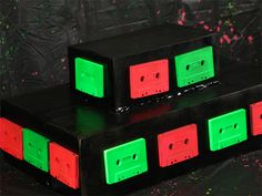 Cassette-Tape-Cupcake-Display.jpg (800×600)