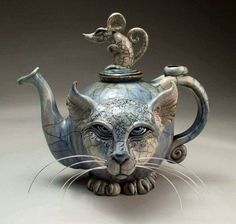 We had the best Caturday- Foujita- and -friends tea party Cat teapot by Mitchell Grafton Ceramic Teapots, Ceramic Art, Teapots And Cups, Deco Design, Cool Cats, Cat Art, Alice In Wonderland, Tea Time, Vases