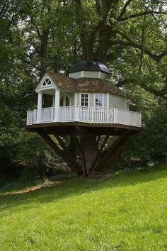 Colonial Tree House