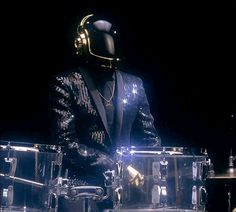 Daft Punk's 'Get Lucky' breaks Spotify streaming records, tops iTunes charts | The Verge