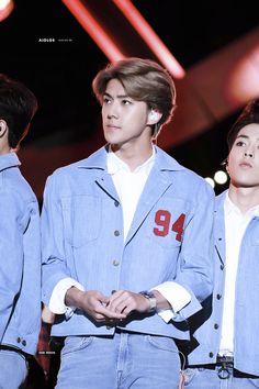 #EXO #EXOk #Kpop #Cpop #Sehun #lockscreen #151009 Exo Music, Exo Fan, Kyungsoo, Rapper, Husband, Angel, Random, Celebrities, Baby
