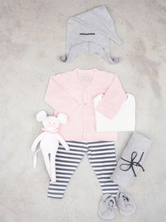 We love this comfortable, yet oh-so-chic style of @eliasgrace for amazing baby and kid style! Super-sweet. #PNpartner