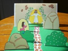 Easter Resurrection craft!  Kind of like a Nativity scene, only it's for Easter.  :-)