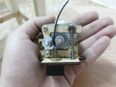 Make Your Own Printer Extruder with casters/cogs - possible use of my material (cast polyamide which I can produce) for the casters/cogs 3d Printer Projects, Arduino Projects, Projects To Try, Diy 3d Printer, Impression 3d, Diy Electronics, Electronics Projects, 3d Printer Extruder, 3d Filament