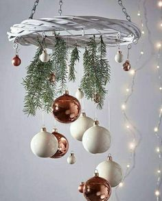 NEW Hanging Willow Wreath - Christmas Easy Christmas Ornaments, Christmas Table Decorations, Noel Christmas, Rustic Christmas, Simple Christmas, Winter Christmas, Christmas Wreaths, Christmas Bulbs, Google Christmas