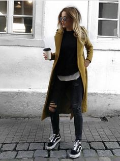Autumn style & Autumn outfit & Winter style & Winter outfit Herbst Style & Herbst Outfit & Winter Style & Winter Outfit The post Herbst Style & Herbst Outfit & Winter Style & Winter Outfit & Outfits I love appeared first on Mustard yellow . Casual Fall Outfits, Spring Outfits, Outfit Winter, Dress Casual, Classy Outfits, Chic Outfits, Dress Winter, Party Outfits, Casual Clothes