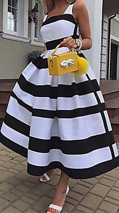 Women's Elegant Maxi A Line Dress Hot Sale!Women's Elegant Maxi A Line Dress,Hochzeit Hot Sale!Women's Elegant Maxi A Line Dress Related Ideas Fashion Design Sketches Dresses Inspirational - DressGesunder Hühnernudelsalat – Classy Dress, Classy Outfits, Chic Outfits, Beautiful Outfits, Dress Outfits, Fashion Outfits, Wedding Dress Black, Wedding Dresses, Latest African Fashion Dresses