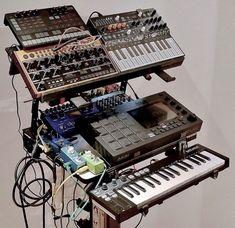 Home Studio Setup, Music Studio Room, Studio Gear, Audio Music, Electronic Music, Recording Studio Design, Old Technology, Studio Living, Nightlights