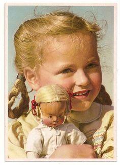 1930er Postkarte Mädchen mit Puppe by diepuppenstubensammlerin, via Flickr