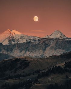 www.huusgstaad.com Mount Everest, Grand Canyon, Hiking, Colours, Autumn, Mountains, Nature, Travel, Instagram