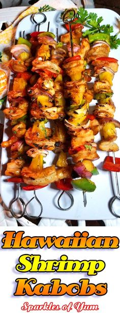 Marinated sweet and tangy Hawaiian Shrimp Kabobs infused with awesome tropical flavors. These make for a wonderfully delicious summer dining experience. Shrimp Kabob Recipes, Seafood Recipes, Dinner Recipes, Vegtable Kabobs, Shrimp Skewers, Skewer Recipes, Picnic Recipes, Seafood Dishes, Recipes
