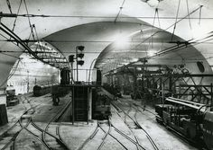 The Post Office Railway, or Mail Rail, in Operated a mile route beneath the streets of London until London Underground Train, Underground Cities, Bunker, Hidden London, Abandoned Places, Abandoned Buildings, London History, Train Pictures, Mystery Of History