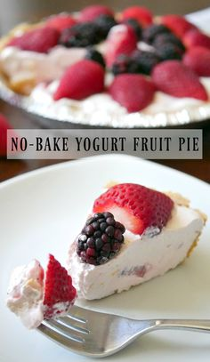 No-bake yogurt fruit pie. Use any flavor fruit yogurt. Cool Whip, and fruits to make your own custom fruit pie. Can be made with sugar-free yogurt and whipped topping for diabetic and sugar free diets. #fruitpie #yogurtpie Yogurt Pie, Fruit Yogurt, Yogurt Dessert, Fruit Pie, Keto Fruit, Fruit Dessert, Greek Yogurt, Cool Whip Pies, Cool Whip Desserts
