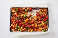 Deze traybake schuif je al in 10 minuten de oven in. Is dat even easy? Oven Dishes, Chana Masala, Nom Nom, Menu, Favorite Recipes, Healthy Recipes, Dinner, Vegetables, Cooking