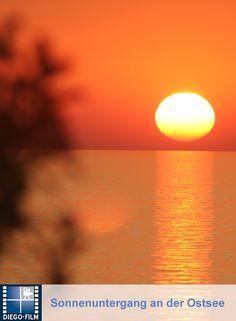 Wunderschöner Sonnenuntergang am Meer... http://diego-film.de/ #ostsee #urlaub #meer
