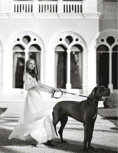 The Girl from Monaco Rosie Tapner rocks bohemian chic in British Vogue Photographer: Boo George Styling: Bay Garnett Bay Garnett, Pet Fashion, Animal Fashion, Dress Fashion, Fashion Clothes, Cara Delevingne, Dog Photography, Fashion Photography, Vogue Uk
