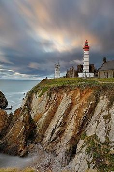 Saint Mathieu, Photo Bretagne, Region Bretagne, Lighthouse Lighting, Lighthouse Pictures, Brittany France, Ville France, France Travel, Beautiful Places