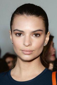 Look at this Beautiful Face Emily Ratajkowski 16 photos Morably