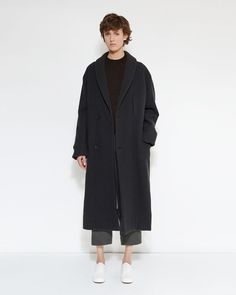 Shop Kaftan Coat from Lemaire at La GarÁonne. La GarÁonne offers curated designer goods from luxury and emerging designers. Stylish Winter Coats, Fashion Capsule, Minimalist Fashion, Minimalist Outfits, Online Clothing Stores, Everyday Outfits, Timeless Fashion, Outerwear Jackets, Fashion Design