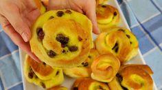 BRIOCHES GIRELLE DANESI ALLA CREMA - Danish Pastry Rolls With Custard Ea...