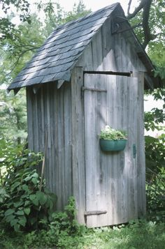 enough needs a new paint job. - Outhouse -Simple enough needs a new paint job. - Outhouse - What is a Shed 6x8 Shed, Outhouse Bathroom, Bomb Shelter, She Sheds, Potting Sheds, Floral Area Rugs, Tool Sheds, Smokehouse, Outdoor Living