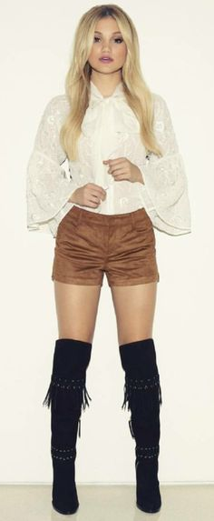 """( ☞ 2017 ★ BEAUTIFUL CELEBRITY ★ OLIVIA HOLT WEARING SHORTS. ) ★ Olivia Hastings Holt - Tuesday, August 05, 1997 - 5' 2"""" 103 lbs 33-24-35 - Germantown, Tennessee, USA."""