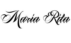 Tatuagem do nome Maria Rita utilizando o estilo Anha Queen Script