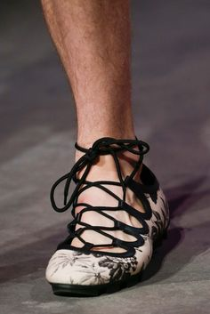See detail photos for Gucci Spring 2016 Menswear collection.