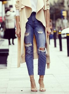Fall Fashion 2014. Gorgeous cut and open cape-like coat with ripped denim. ::M::
