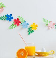 ¡Prepara un detalle tropical y lleno de flores para decorar tu casa o la próxima fiesta! Esta guirnalda de flores de papel es de lo más bonita y fácil de hacer ¿probamos hacerla? ¡Te cuento cómo!