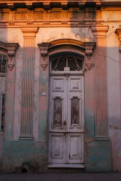 d221dcc1 Old Door in Santa Clara, Cuba Cuban Architecture, Cuban Culture, Cuban  Recipes,