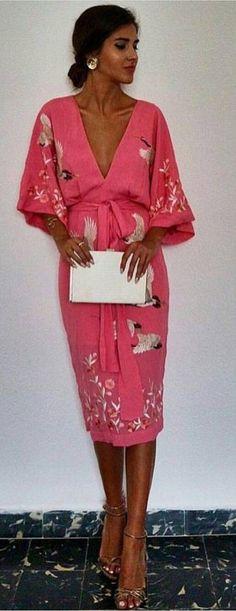 25 Spring Dresses That Will Inspire You This Winter - Hochzeit Kimono Dress, Silk Dress, New Dress, Dress Skirt, Dress Up, Modest Fashion, Fashion Dresses, Dresses Dresses, Look Fashion