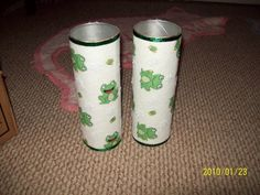 Frog candles made from Pringles cans