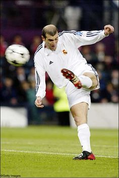 Moment in European Football history. Zidane volley goal for Real Madrid in European Cup Final vs Bayern Leverkusen