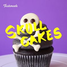 Dessert recipes · make a statement this halloween with these scaryily cute skull cupcakes. Halloween Desserts, Gateau Halloween Video, Theme Halloween, Halloween Cakes, Halloween Treats, Halloween Halloween, Cupcake Videos, Cupcake Recipes, Baking Recipes